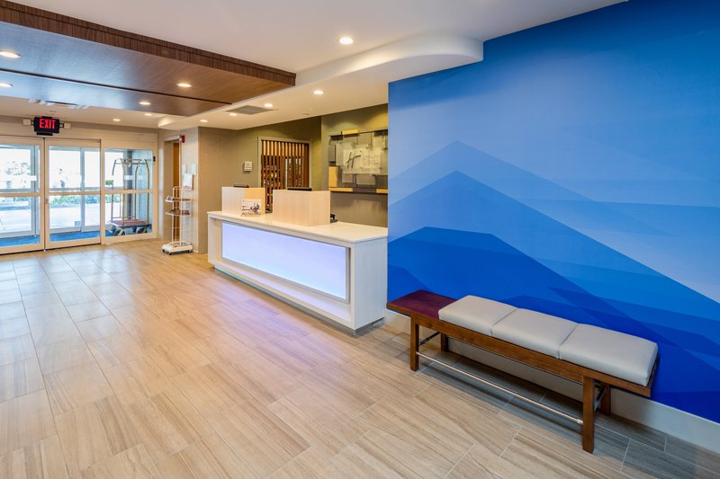 Holiday Inn Express & Suites Modesto-Salida-Guest Services Ready to Serve You<br/>Image from Leonardo