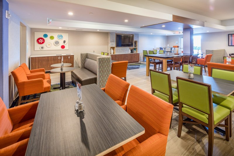 Holiday Inn Express & Suites Modesto-Salida-Large Greatroom and Breakfast Area<br/>Image from Leonardo