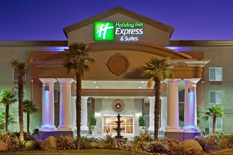 Holiday Inn Express & Suites Modesto-Salida-Enjoy our modern design and landscape as you drive into the hotel<br/>Image from Leonardo