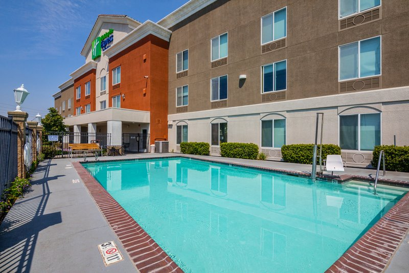 Holiday Inn Express & Suites Modesto-Salida-Swimming Pool with ADA Lift<br/>Image from Leonardo