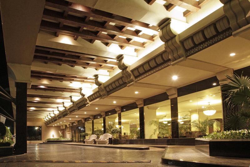 Crowne Plaza Monterrey-Motor Lobby Full  View<br/>Image from Leonardo