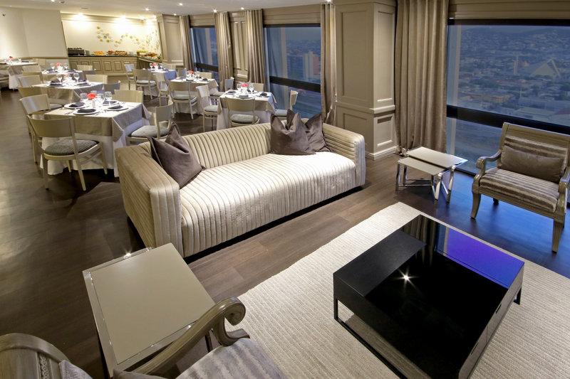 Crowne Plaza Monterrey-Club Floor Lounge<br/>Image from Leonardo