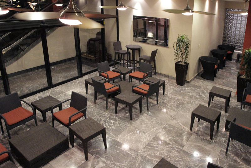Crowne Plaza Monterrey-Guest Lounge<br/>Image from Leonardo