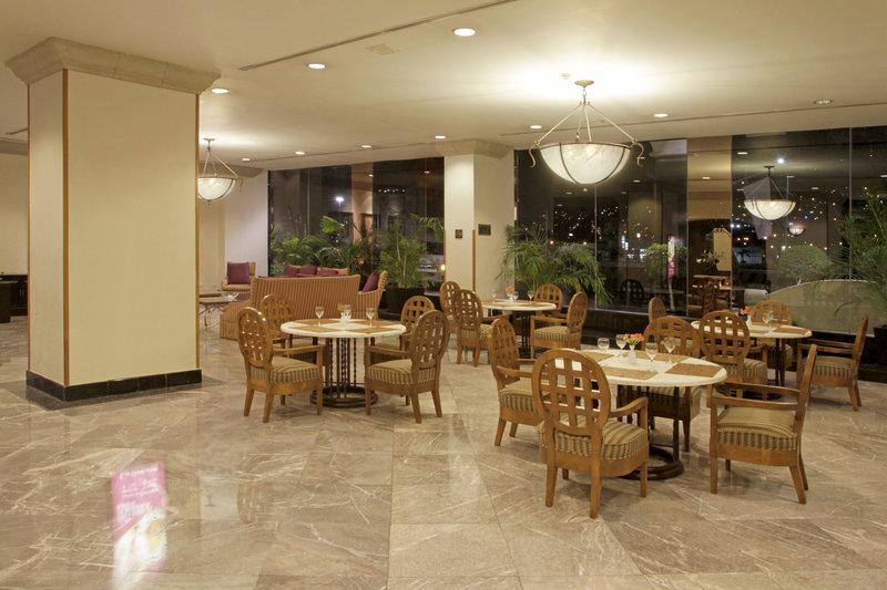 Crowne Plaza Monterrey-Hotel Lobby<br/>Image from Leonardo