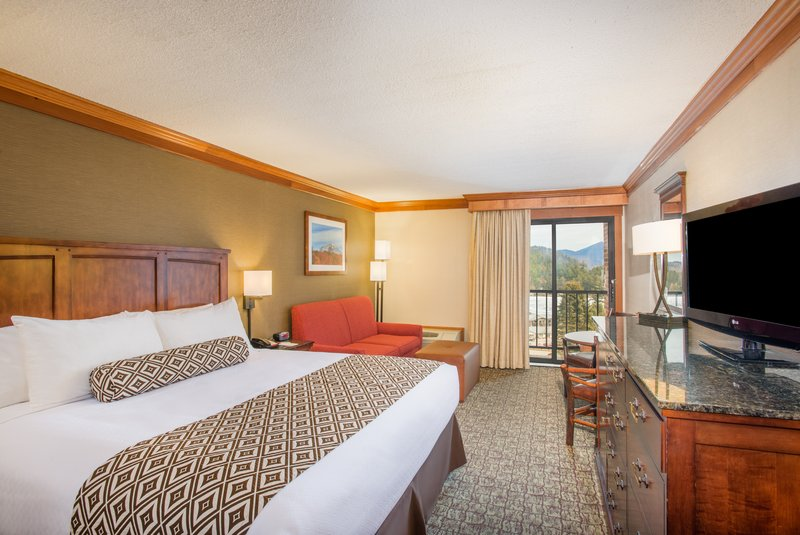 Crowne Plaza Lake Placid-King Bed Guest Room with Lake View<br/>Image from Leonardo