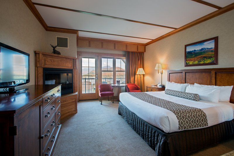 Crowne Plaza Lake Placid-Deluxe King Room with Lake View and Fireplace (Adirondack Wing)<br/>Image from Leonardo