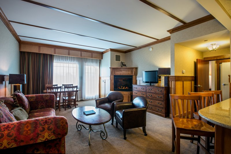 Crowne Plaza Lake Placid-Deluxe King Suite Living Area (Adirondack Wing)<br/>Image from Leonardo