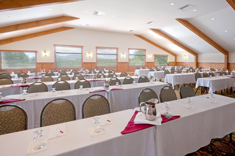 Crowne Plaza Lake Placid-The Sky Room can accommodate both large and small groups<br/>Image from Leonardo