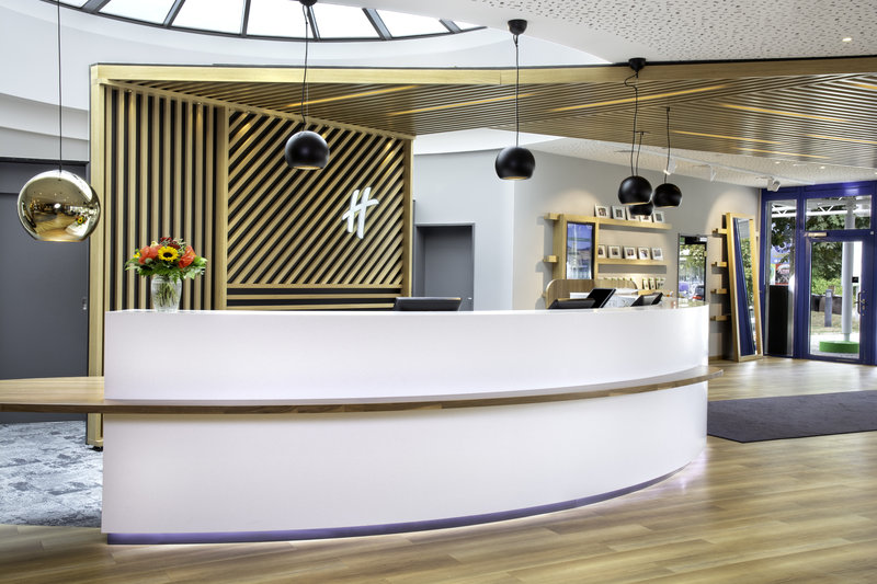 Holiday Inn Stuttgart-Front Office<br/>Image from Leonardo