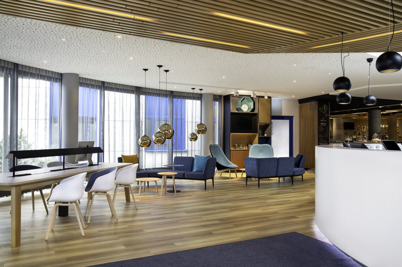 Holiday Inn Stuttgart-Hotel Lobby<br/>Image from Leonardo