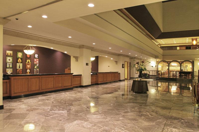 Crowne Plaza Monterrey-Reception<br/>Image from Leonardo