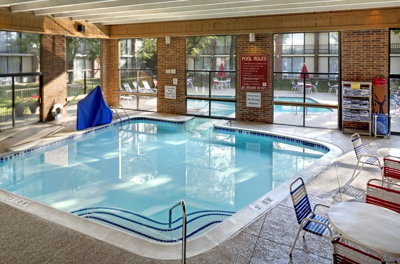 Holiday Inn Ann Arbor - Near University of Michigan-Indoor Swimming Pool Area<br/>Image from Leonardo