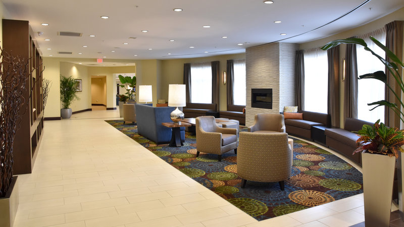 Holiday Inn Canton (Belden Village)-Lobby Lounge<br/>Image from Leonardo