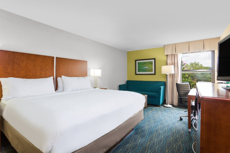 Holiday Inn Express Wilmington-Our Deluxe King Room is excellent for romantic getaways.<br/>Image from Leonardo
