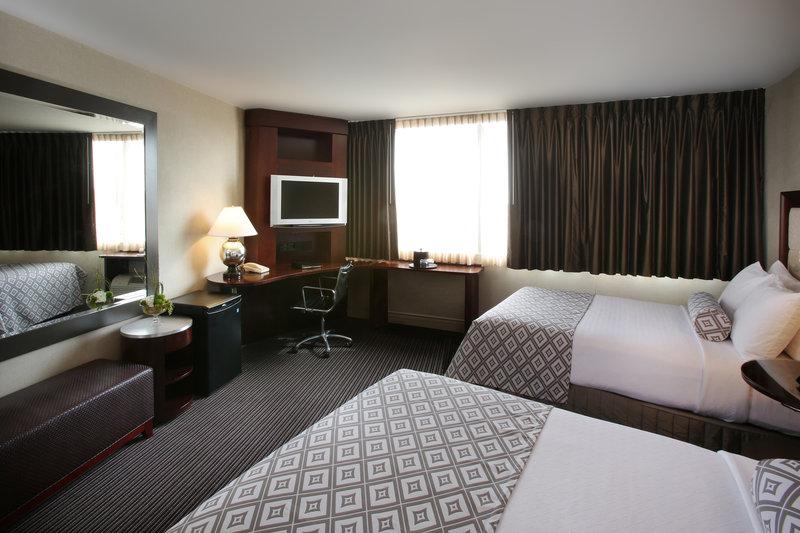 Crowne Plaza Syracuse-2 Double sized beds.<br/>Image from Leonardo