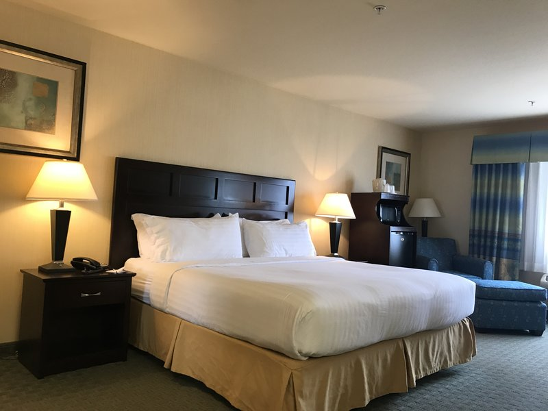 Holiday Inn Express Fort Bragg-Guest Room <br/>Image from Leonardo