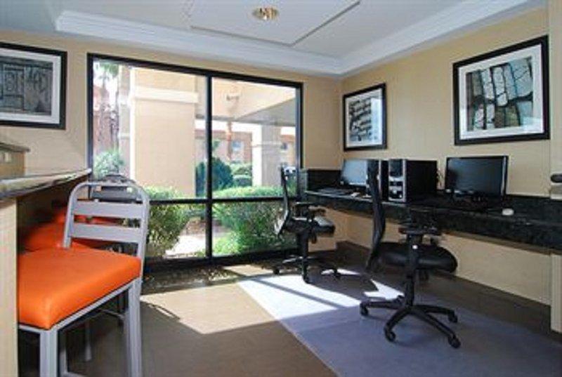 Holiday Inn Express & Suites Marana-Business Center<br/>Image from Leonardo
