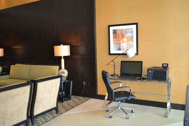 Holiday Inn Eau Claire South I-94-Business Center for all of Your Needs<br/>Image from Leonardo