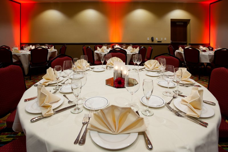 Holiday Inn Eau Claire South I-94-Have a Totally Customizable Experience at Holiday Inn South!<br/>Image from Leonardo