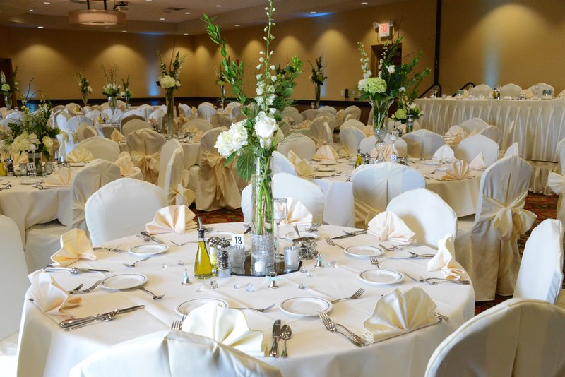 Holiday Inn Eau Claire South I-94-Holiday Inn Eau Claire South can Seat 300+ for your Wedding!<br/>Image from Leonardo