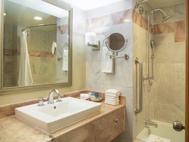 Crowne Plaza Monterrey-Guest Bathroom<br/>Image from Leonardo