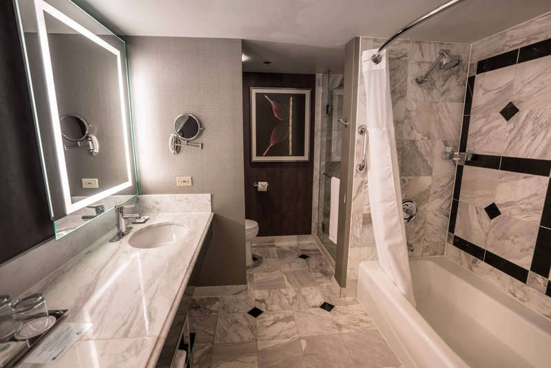 MGM Grand Hotel & Casino-Executive Queen Bathroom<br/>Image from Leonardo