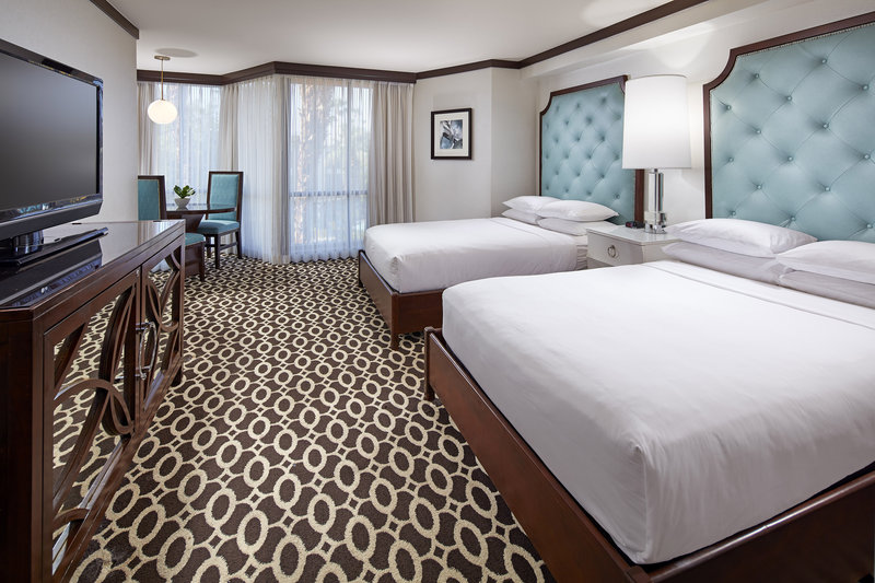 Riviera Palm Springs-Double/Double Superior Guest Room<br/>Image from Leonardo