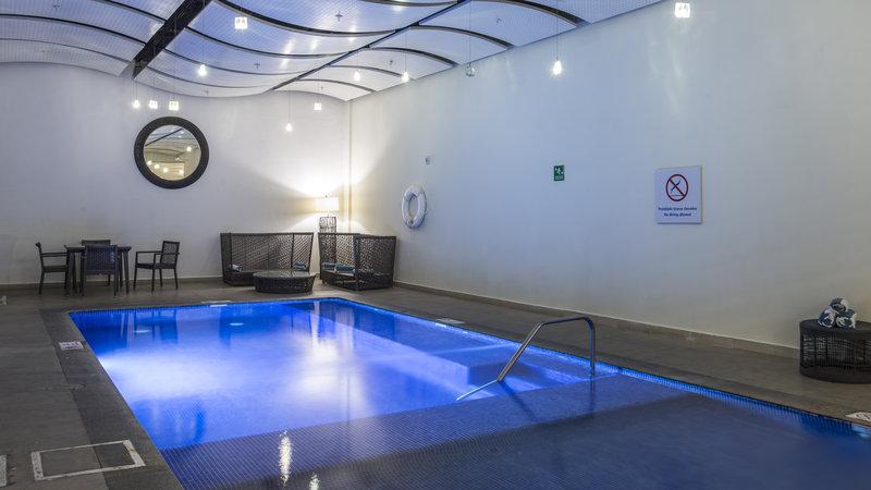 Holiday Inn Express Guadalajara Autonoma-Swimming Pool<br/>Image from Leonardo