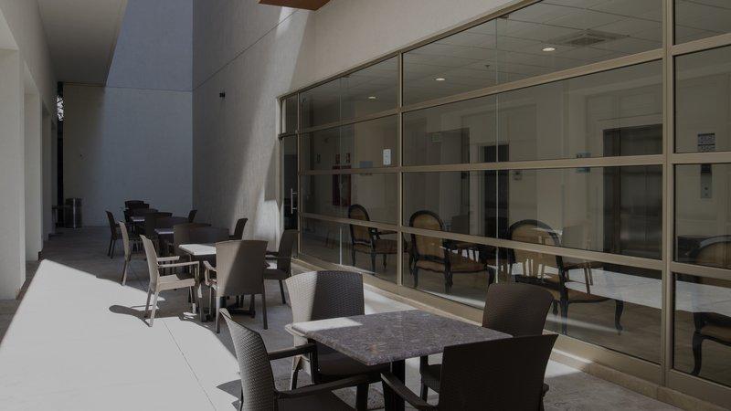 Holiday Inn Express Guadalajara Autonoma-Guest Patio<br/>Image from Leonardo