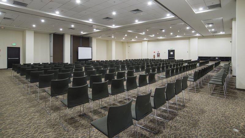 Holiday Inn Express Guadalajara Autonoma-Meeting Room<br/>Image from Leonardo