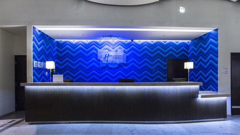 Holiday Inn Express Guadalajara Autonoma-Front Desk<br/>Image from Leonardo