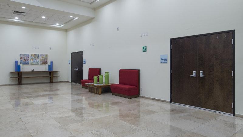 Holiday Inn Express Guadalajara Autonoma-Lobby Lounge<br/>Image from Leonardo