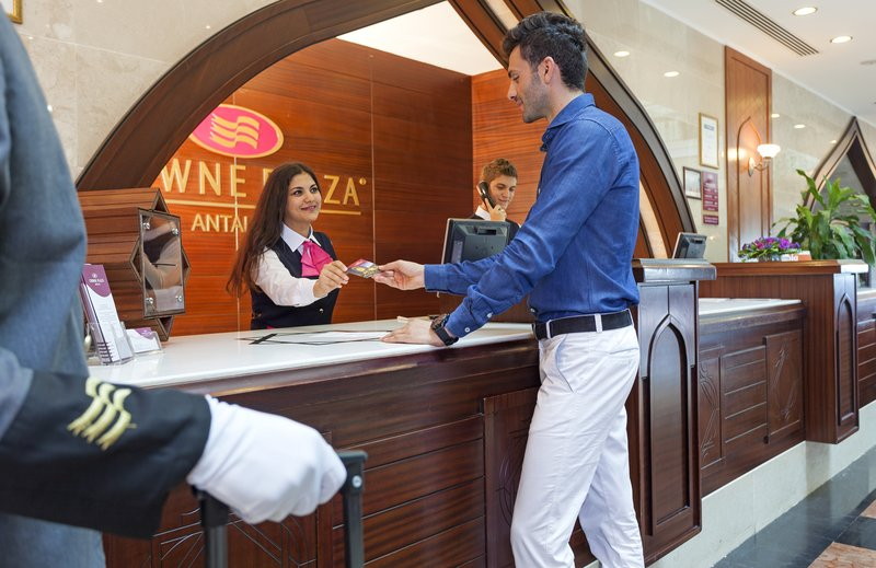 Crowne Plaza Antalya-Front Desk<br/>Image from Leonardo