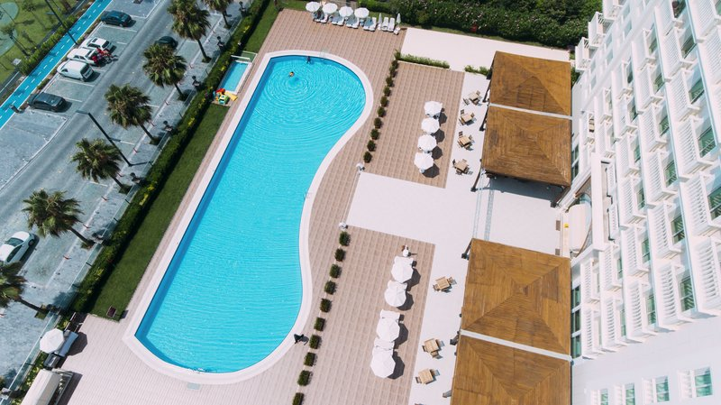 Crowne Plaza Antalya-Pool <br/>Image from Leonardo