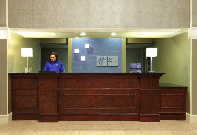 Holiday Inn Express Fort Smith Executive Park-Front Desk<br/>Image from Leonardo