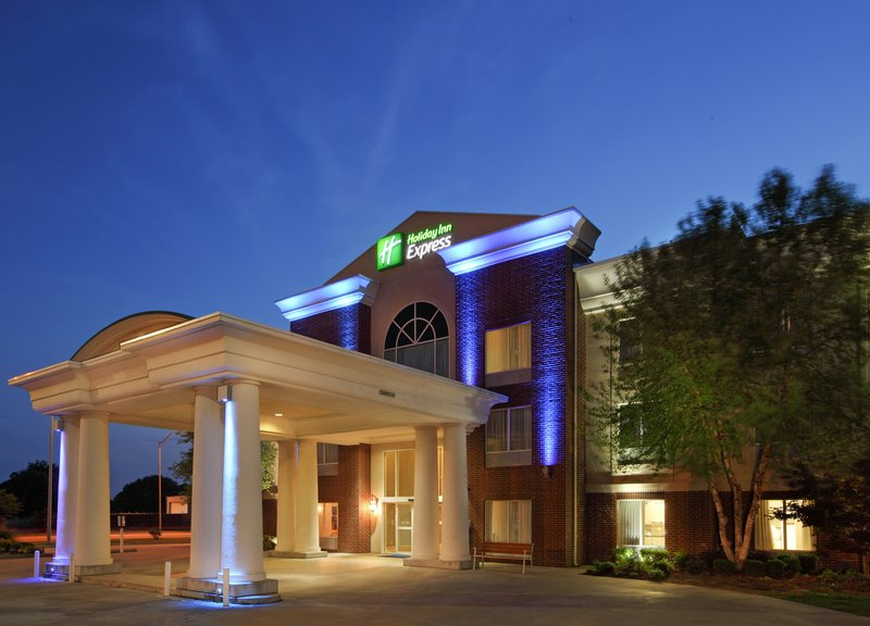 Holiday Inn Express Fort Smith Executive Park-Hotel Exterior<br/>Image from Leonardo