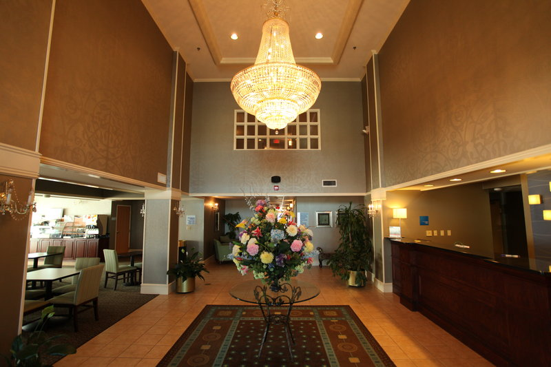 Holiday Inn Express Fort Smith Executive Park-Hotel Lobby<br/>Image from Leonardo