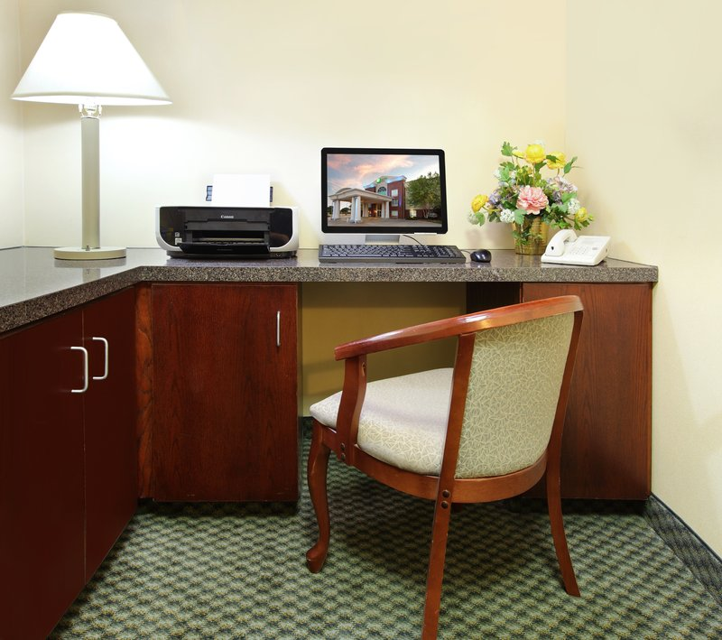 Holiday Inn Express Fort Smith Executive Park-Business Center<br/>Image from Leonardo