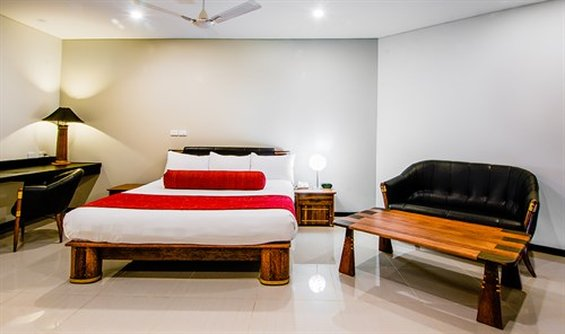 Tanoa Waterfront Hotel-Executive Suite Room<br/>Image from Leonardo