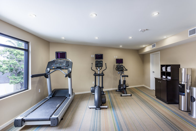 Holiday Inn Express & Suites La Jolla - Beach Area-Keep up with your fitness routine in our new 24hr fitness center<br/>Image from Leonardo