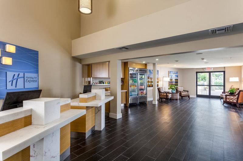 Holiday Inn Express & Suites La Jolla - Beach Area-Welcome to the Holiday Inn Express & Suites La Jolla<br/>Image from Leonardo