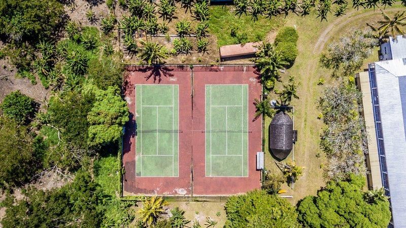 Tanoa Tusitala Hotel-Tennis Courts<br/>Image from Leonardo