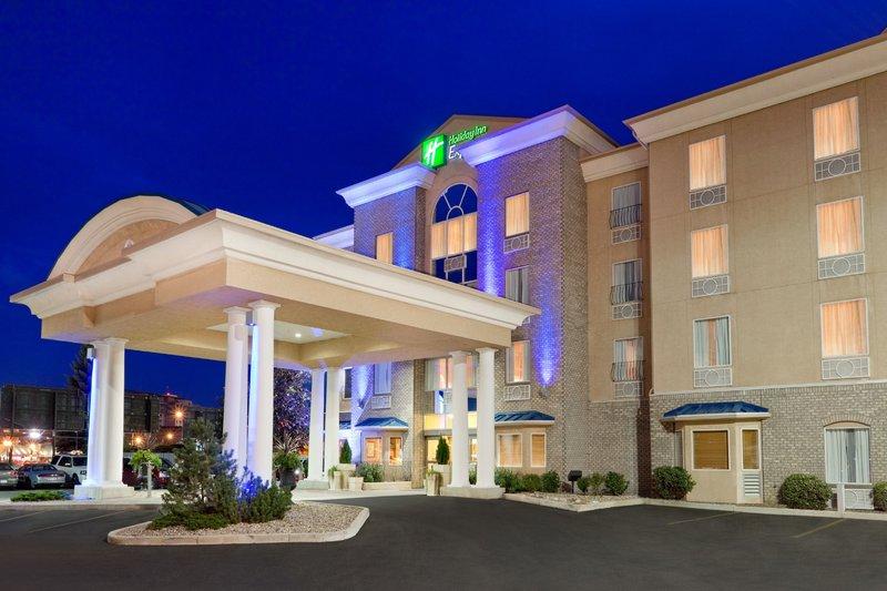 Holiday Inn Express Saskatoon Centre-Holiday Inn Express Saskatoon at night<br/>Image from Leonardo