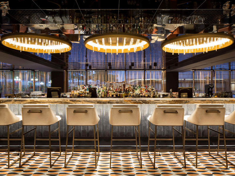 Fairmont The Queen Elizabeth-Bar/Lounge<br/>Image from Leonardo
