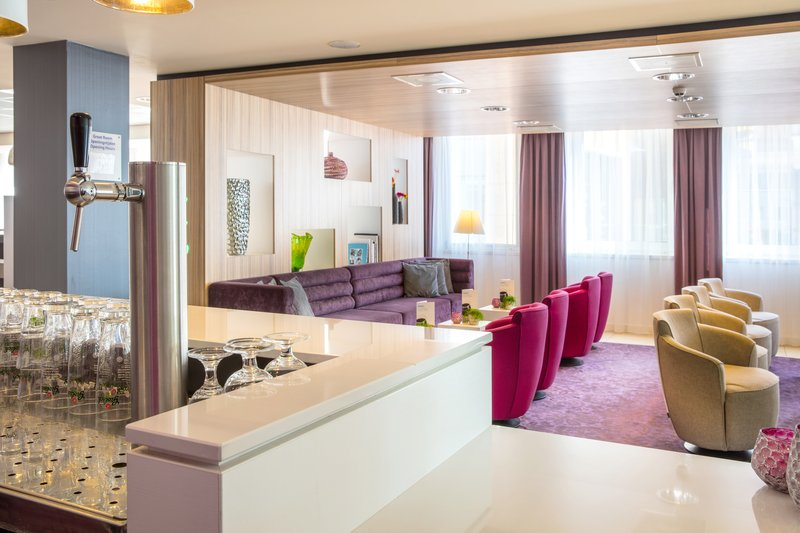 Holiday Inn Express Arnhem-Bar & Lounge<br/>Image from Leonardo