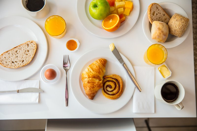 Holiday Inn Express Arnhem-Breakfast<br/>Image from Leonardo