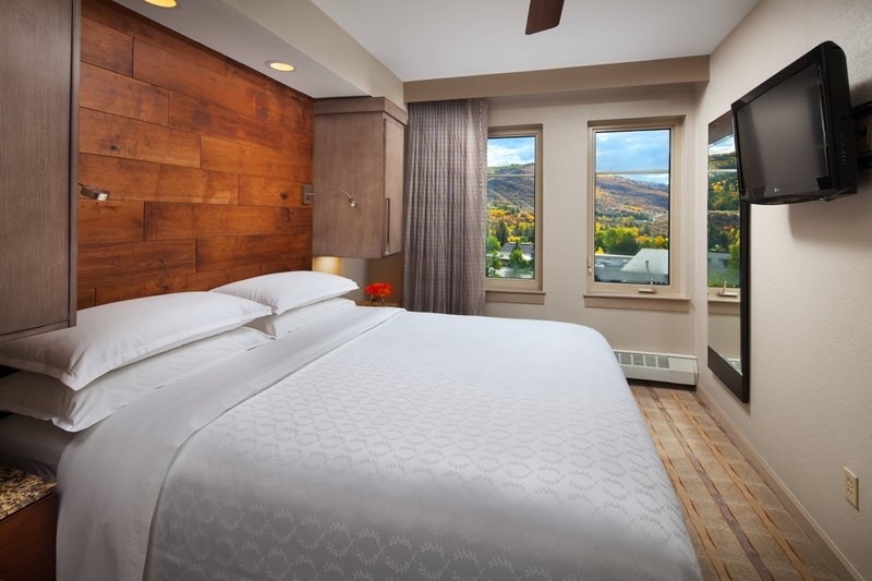 Sheraton Mountain Vista Villas Avon/Vale Valley-One-Bedroom Smaller Villa - Bedroom<br/>Image from Leonardo