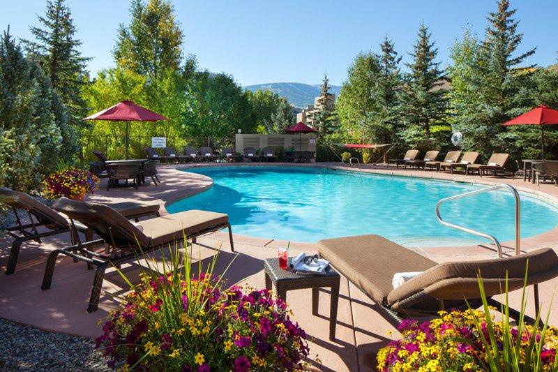 Sheraton Mountain Vista Villas Avon/Vale Valley-Courtyard Swimming Pool<br/>Image from Leonardo