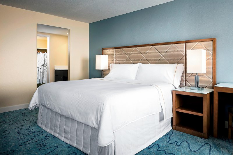 Walt Disney World Dolphin - King Deluxe Alcove Guest Room <br/>Image from Leonardo