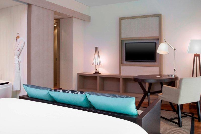 Sheraton New Caledonia Deva Spa And Golf Resort-Traditional Domain King Room<br/>Image from Leonardo